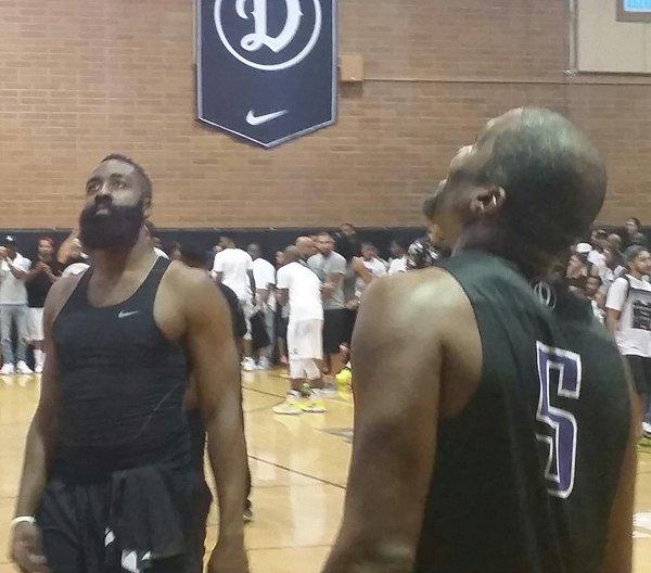 誰說NBA球星都要有8塊腹肌?這5位表示1塊腹肌照樣能打天下!-籃球圈